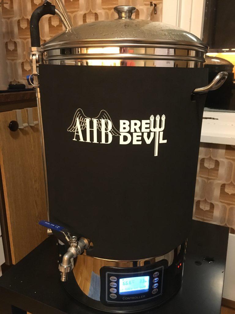 Obligatorisk bilde av brygger under mesking